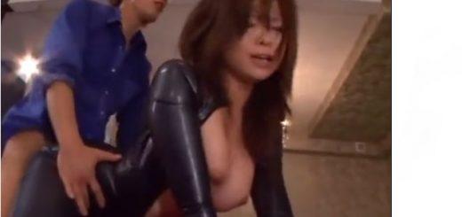 【KAORI】女捜査官が敵に囚われ、チ○ポ挿入でお仕置き