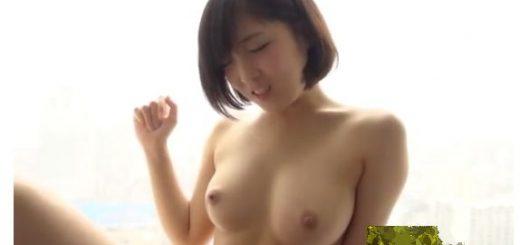 【広瀬うみ】美乳の美少女が、ホテルで手マンされて潮吹きのあと、手コキ&フェラ