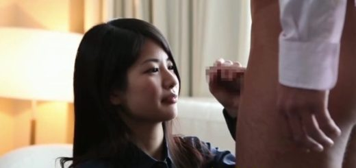 【水谷あおい】チ○ポに飢えた美人ナースが、真っ昼間のホテルで勃起チ○ポをフェラ&手コキ
