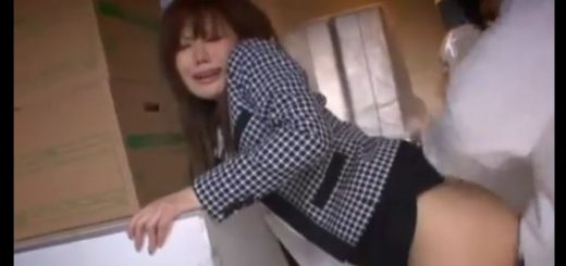【森ななこ】美脚のタイトミニOが社内でレイプされ、強制イラマチオ&立ちバックで悶絶