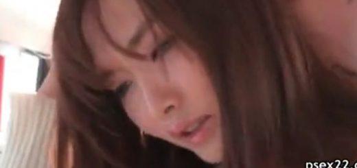 【水沢のの】ミニスカで色白のスレンダー美人が、バスで痴漢にレイプ!