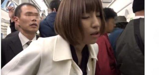 【夏希みなみ】美痴女が満員電車で男を逆痴漢して発情させたあと、勃起チ○ポを味わう