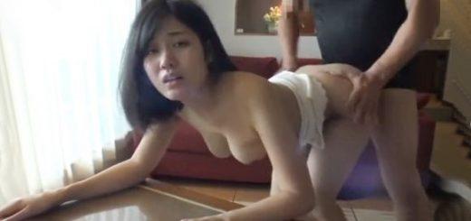 【神宮寺ナオ】奥手な女子大生が、少し緊張しながらチ○ポの感触に酔いしれるハメ撮り中出しFUCK