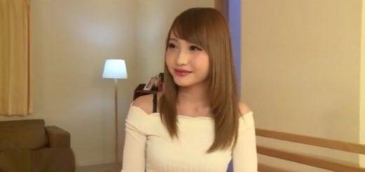 【咲野の花】茶髪の女子大生が、手マンで潮吹き&マンぐり返しでオ○ンコ愛撫のデビュー