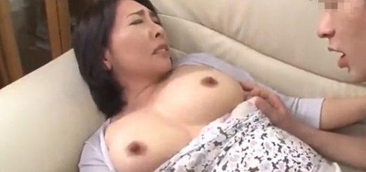 【三次景子】欲求不満な五十路の人妻がデビューFUCK