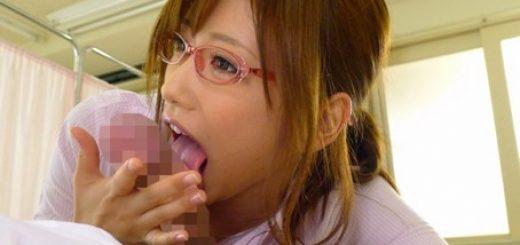 【絵色千佳】痴女で美人の女教師が生徒を淫語で責めながら更衣室で着エロSEX